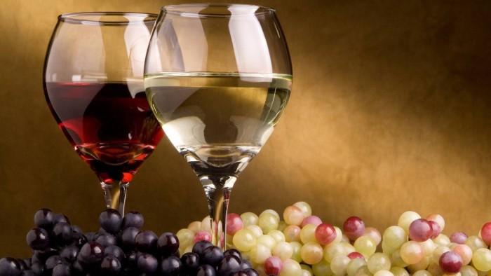 copas-uvas-vino-blanco-vino-tinto