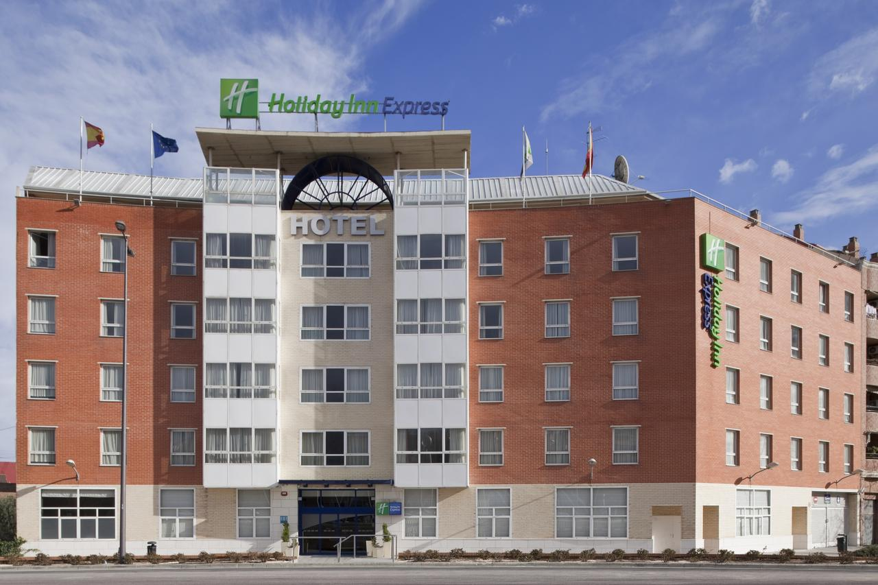 Holiday inn express valencia san luis bluevalencia for Top design hotels valencia